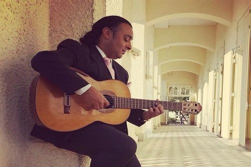 Book A Solo Spanish Guitarist For Events, Weddings And Functions - Music for Asia