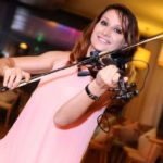 International Violinist And Vocalist