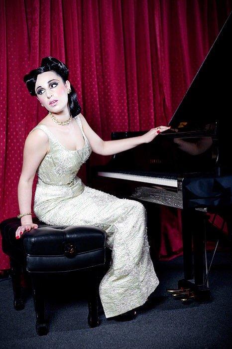 Esther – Jazz Musician & Burlesque Performer